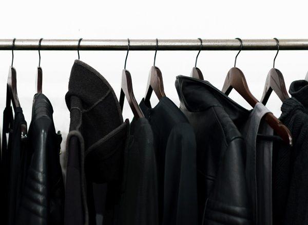 Black_costume_1