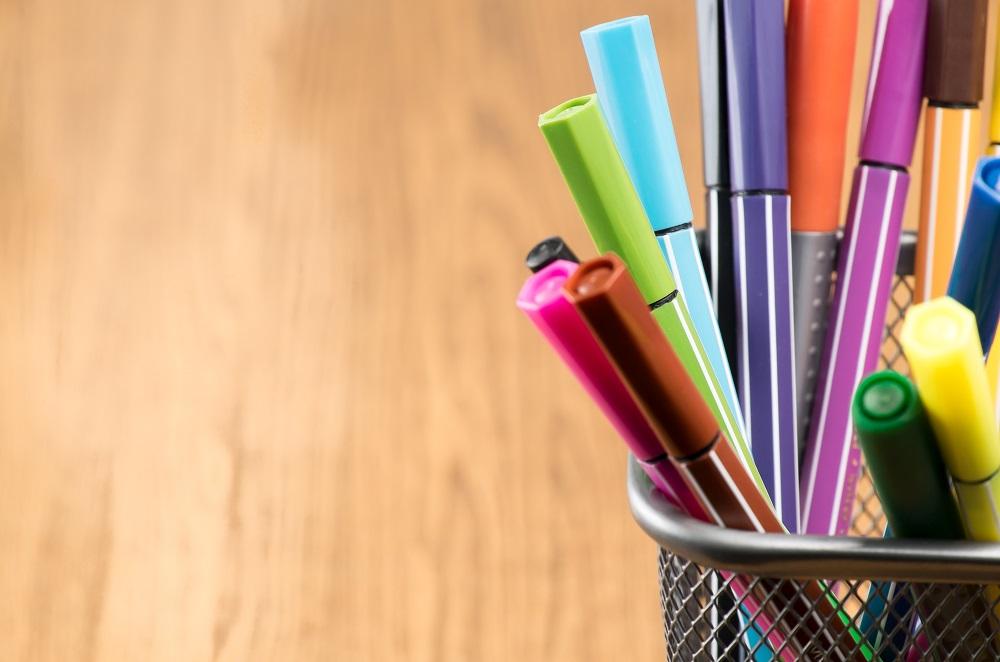 ปากกาหลากสีสัน