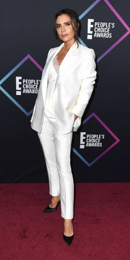 whit-shirt-suit