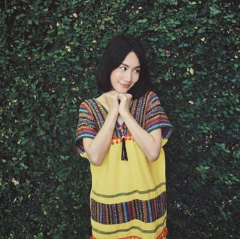 ชุดผ้าไทย-08